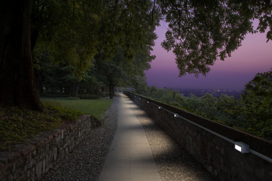 Goccia illuminazione - immagine per catalogo 2012
