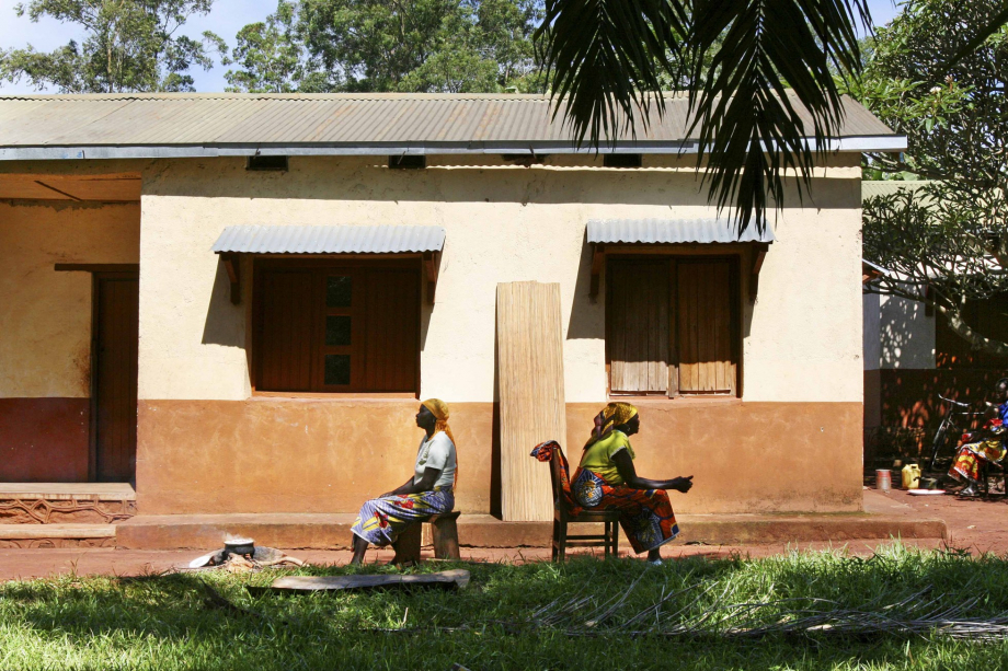 donne al villaggio